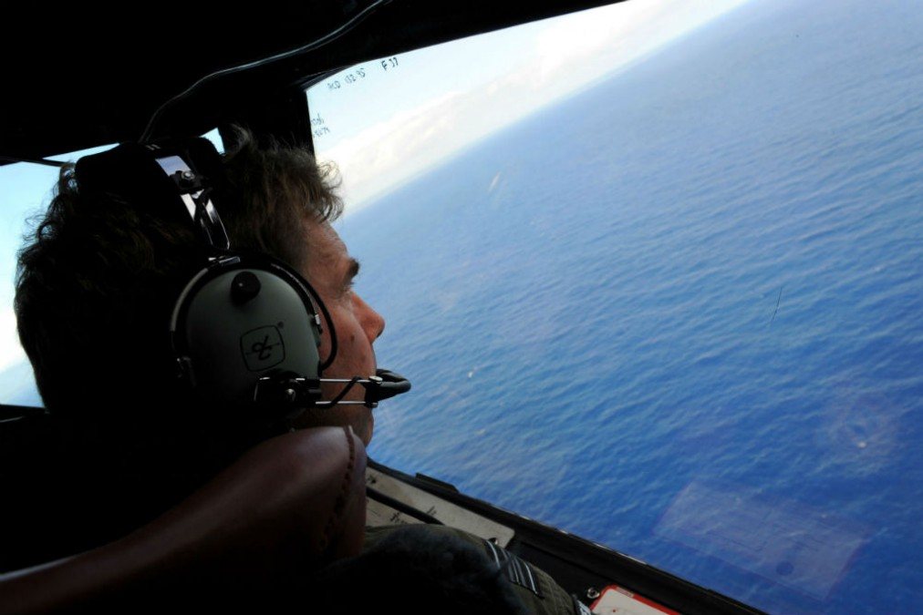 """Disrespectful"" to end MH370 search"
