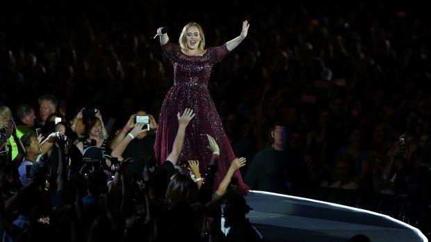 Adele says Hello to Brisbane
