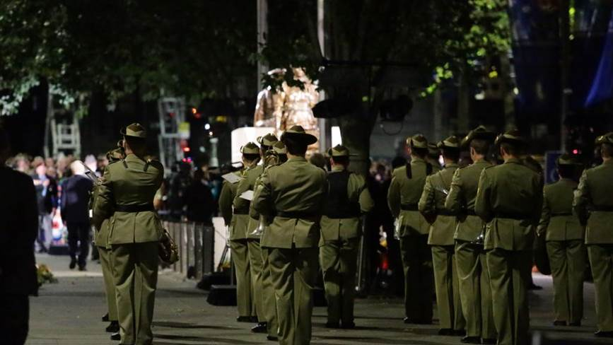 Muslim community offer donation to ANZAC Dawn Service