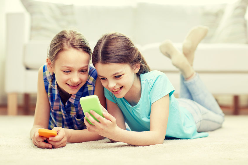 What's the Right Age to Get a Mobile?