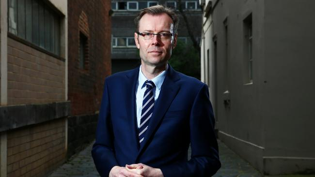 Uni Fee Repayment Threshold Slashed
