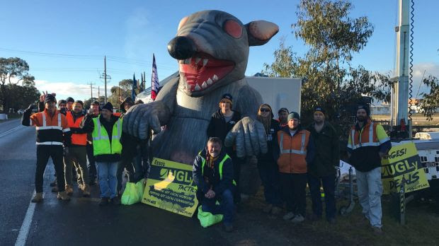 'Scabby the Rat' Banned From Union Pickets