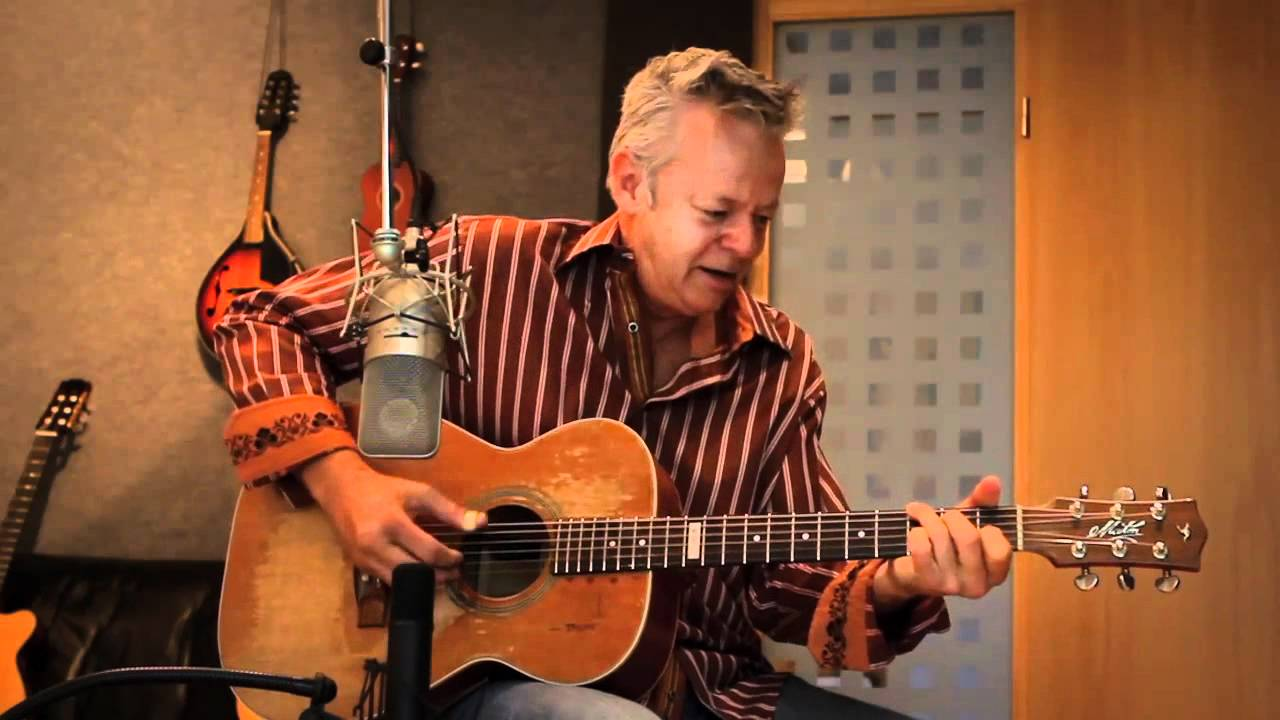 Live music: Tommy Emmanuel opens up