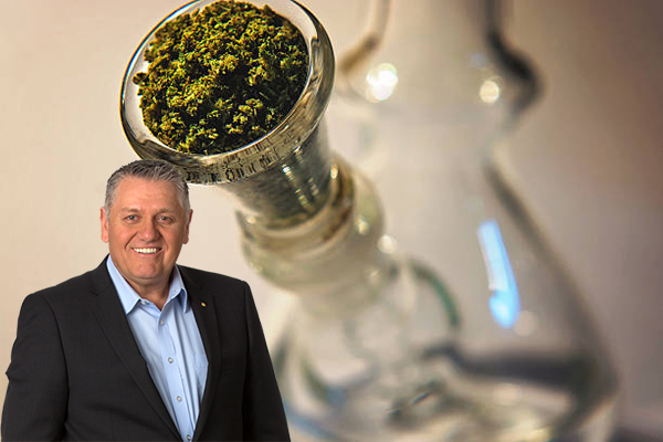 Article image for Ray Hadley laughs off bong smoking accusations