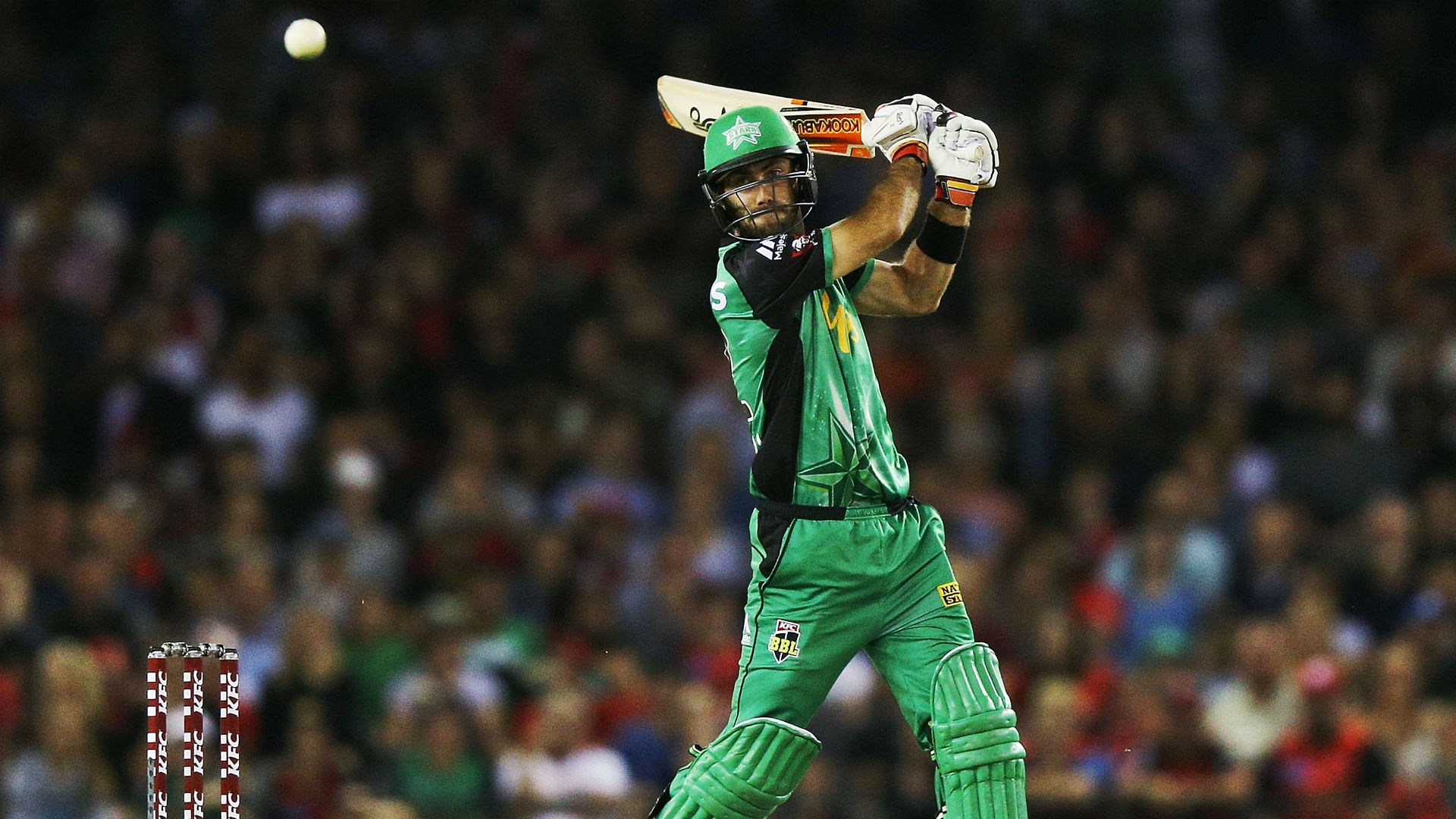 Article image for Maxwell brought into ODI squad as cover for hamstrung Finch