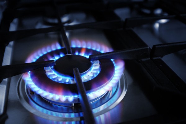 Article image for Gas supplies sufficient to keep prices down, says ACCC boss