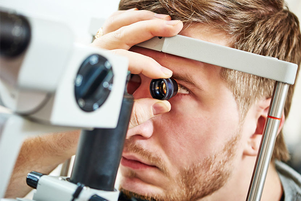Almost 1 million Aussies won't have 20/20 vision by 2020