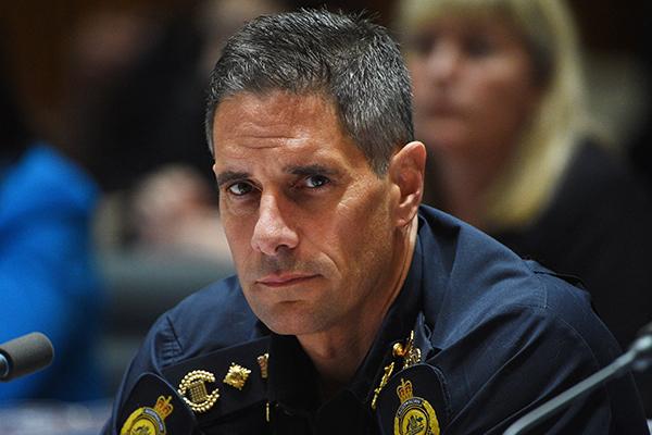 Peter Dutton defends under fire Border Force boss