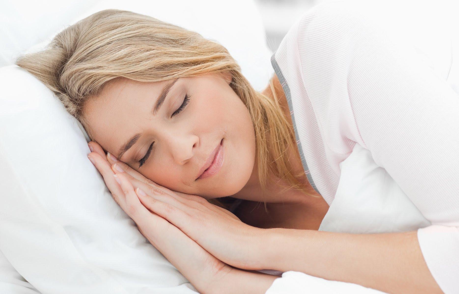 Women sleeping in night vision 15