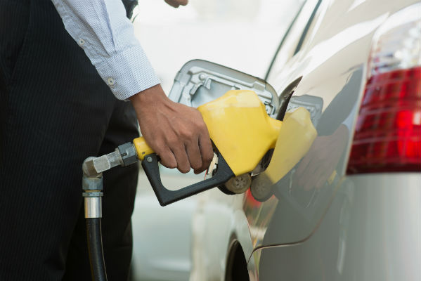 Queensland petrol price monitoring to put servos on front line
