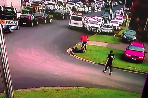 Article image for WATCH | CCTV footage shows tradie's brave efforts to foil robbery