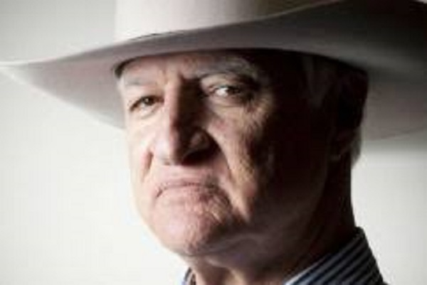 Article image for Bob Katter approves Anning's company tax cut dissent