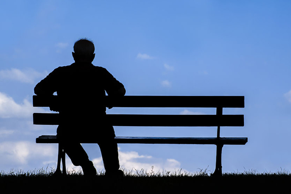 'Alarming' survey results show Australians are suffering from a 'loneliness crisis'