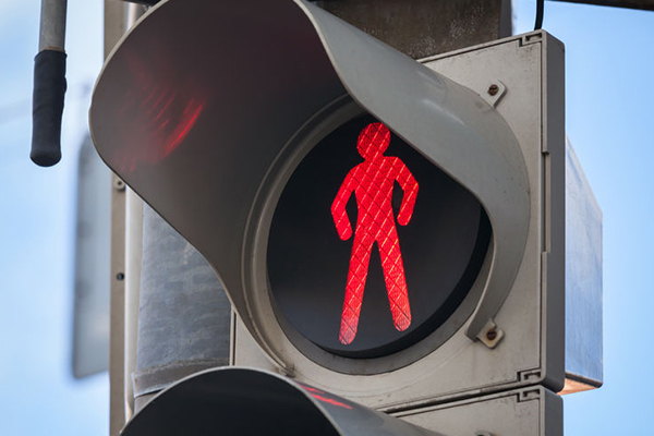 Brisbane City Council moves to halt jaywalkers with surveillance cameras