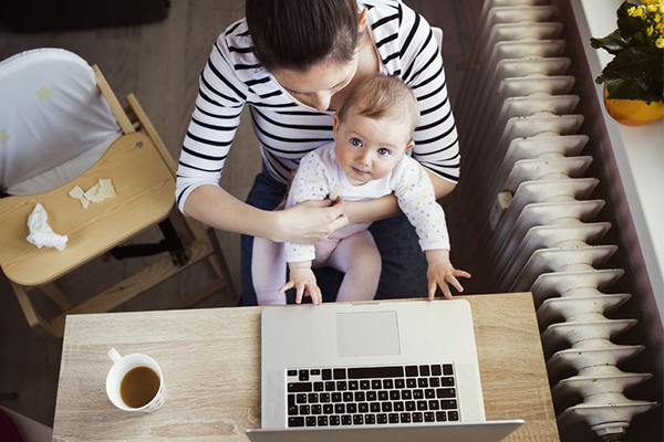 Working mums to get $400 million boost to superannuation