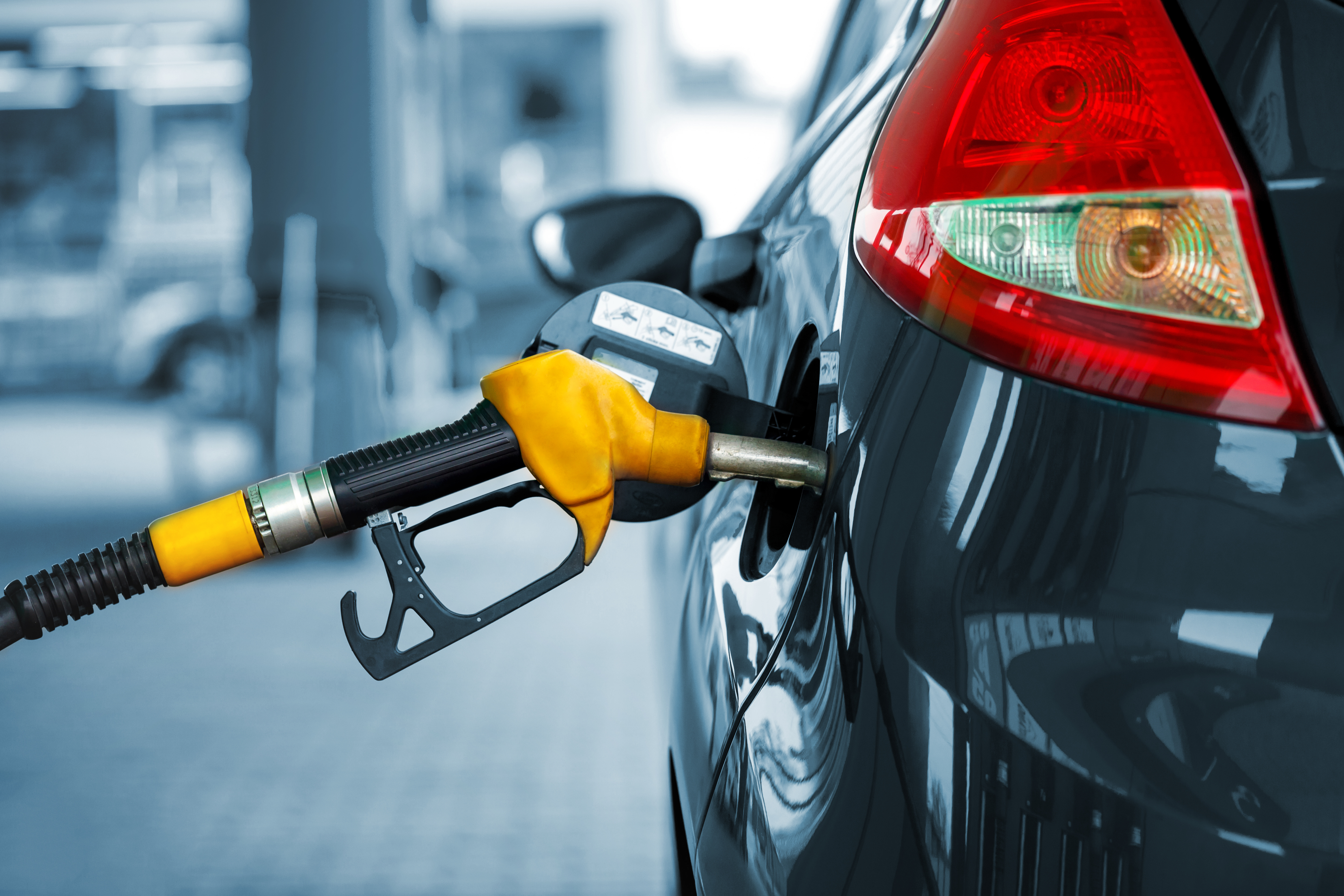 Motorists urged to shop around as petrol margin blows out