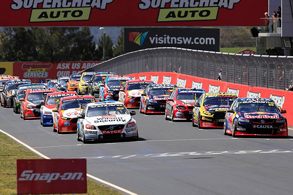 Article image for Chris Smith live from the Bathurst 1000