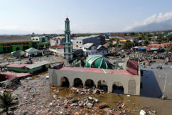 Fears thousands are dead as earthquake, then tsunami hits Indonesian island