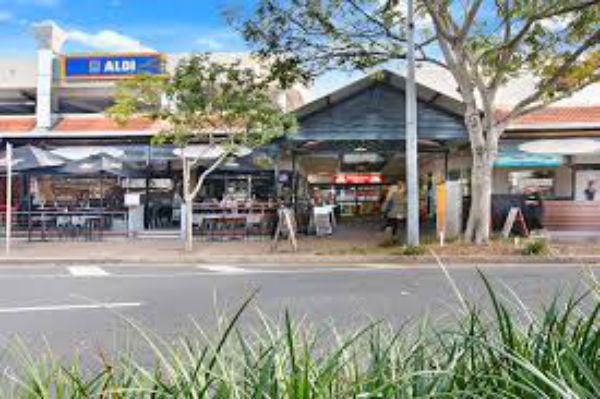 Stones Corner struggles to coax shoppers