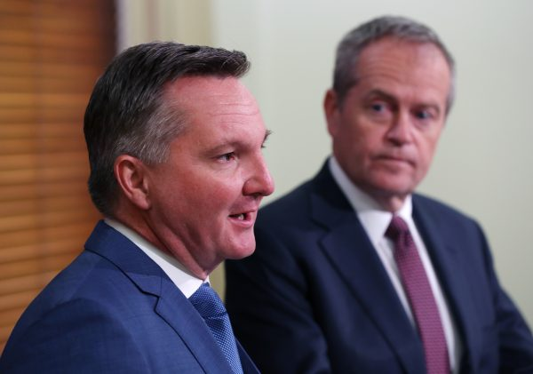 Labor victory would hit economic growth, expert says