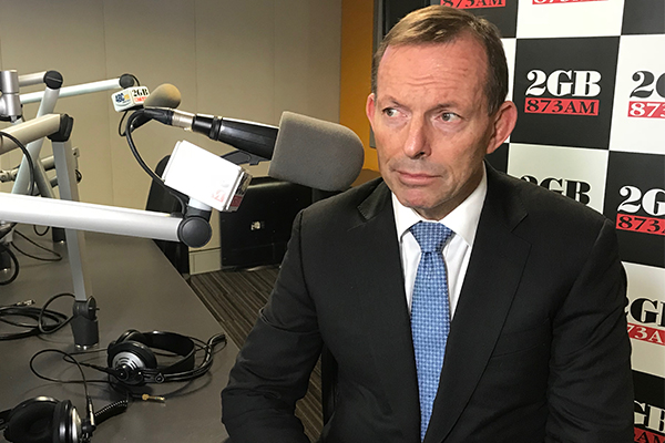 Article image for 'Is it any wonder the party has a problem': Tony Abbott 'bamboozled' by Jim Molan decision