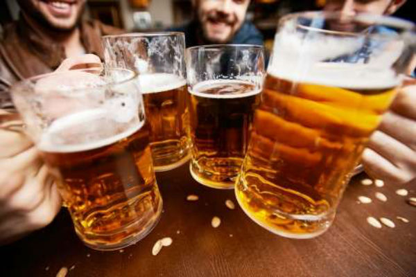 Young Qld men less interested in binge drinking