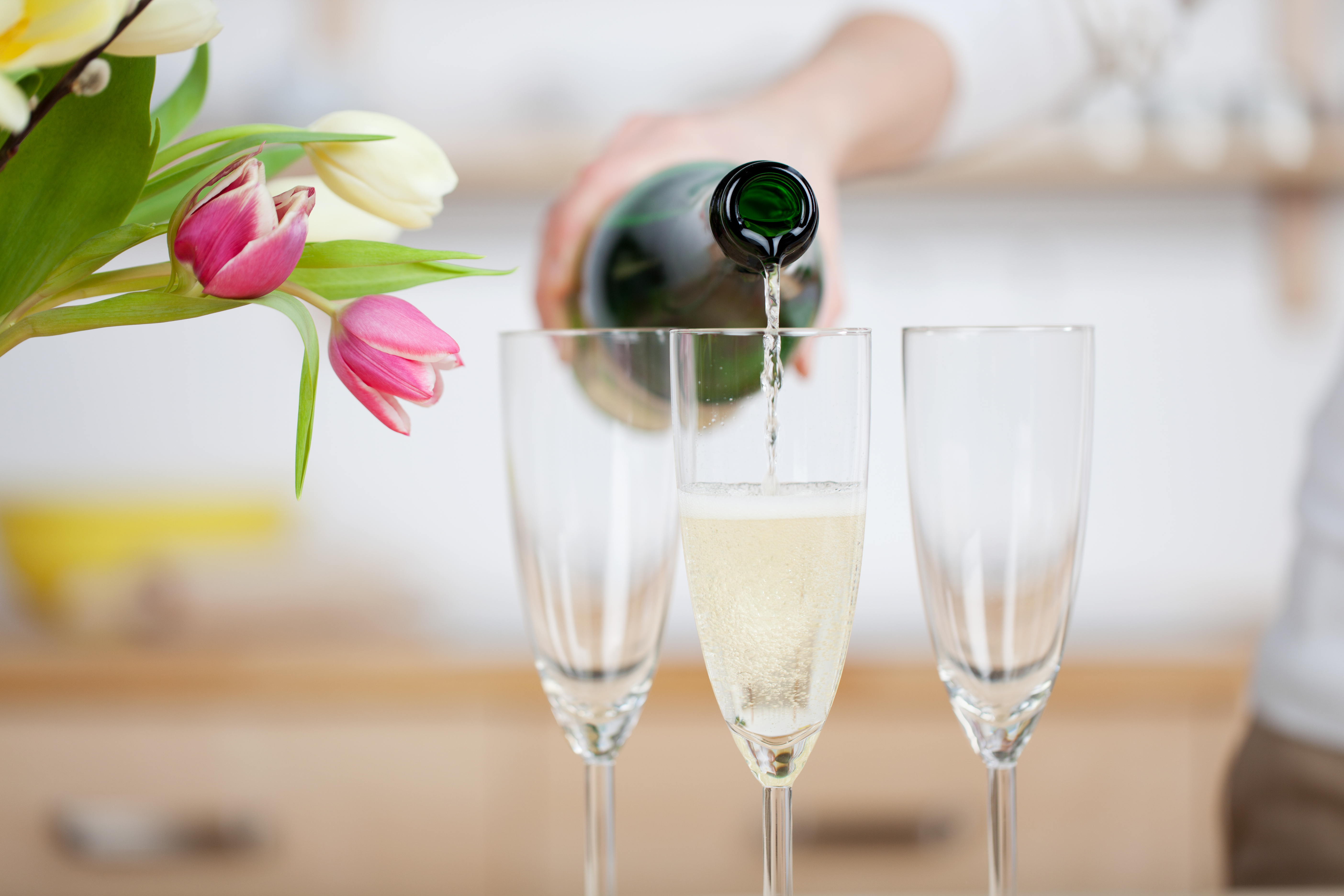 Phil Dooly – The Science Behind Your Christmas Bubbly