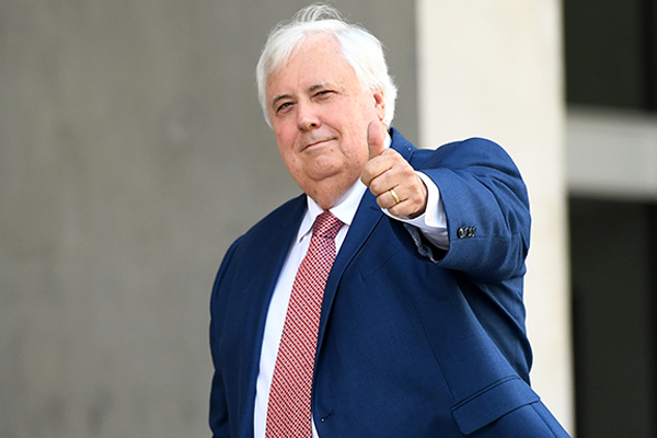 Clive Palmer calls for Twisted Sister singer's Australia tour to be cancelled over musical spat