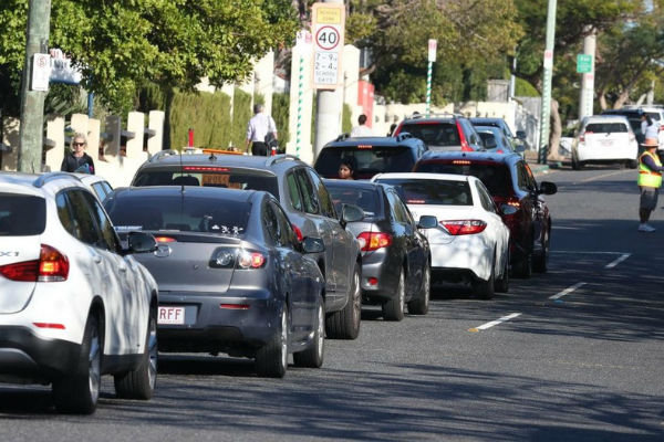 Crackdown on school drop-off and pick-up parking