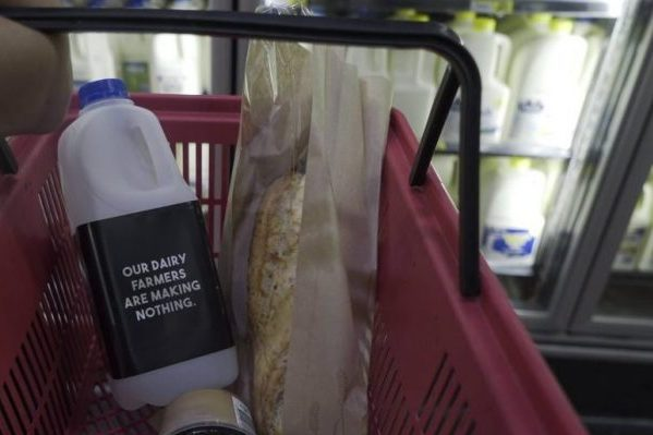Article image for Nationals MP threatens supermarkets, demanding fairer milk prices