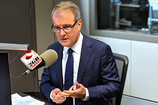 Article image for 'Thanks for your service': Opposition leader threatens to sack Alan Jones in explosive interview