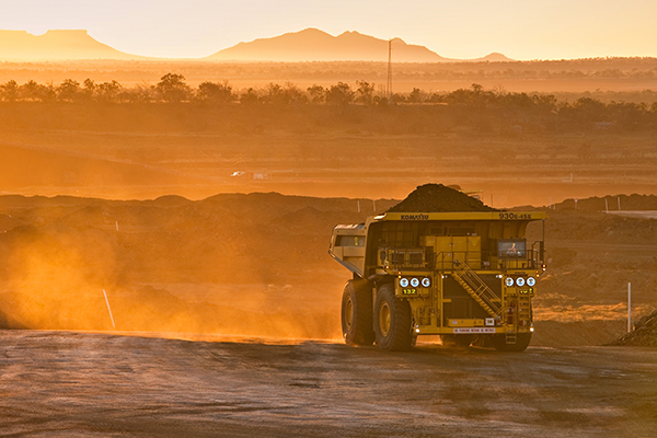 'Quite dangerous': QLD Resources Council CEO warns against cancelling mining contracts without compensation
