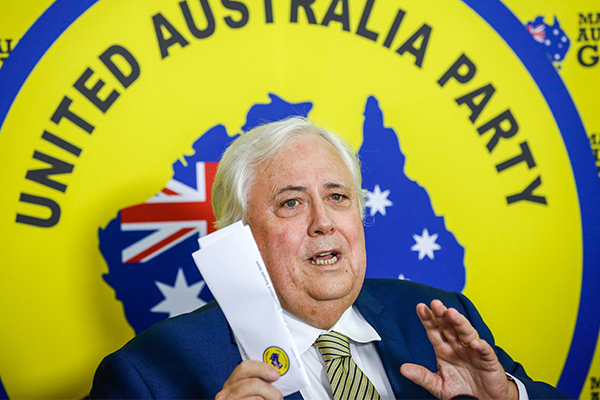Former WA premier warns against preference deals with Clive Palmer