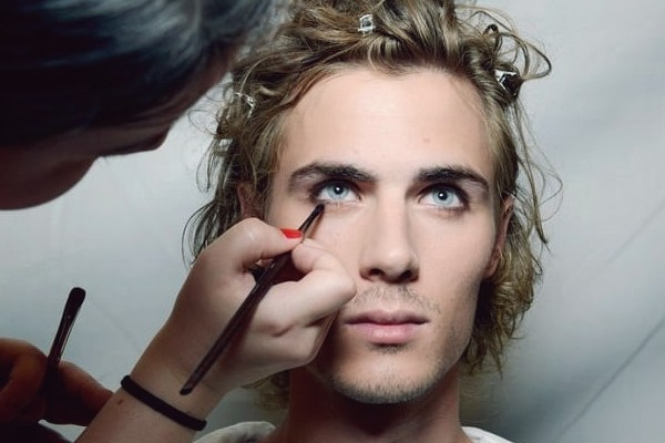 Makeup sales to Aussie men on the rise