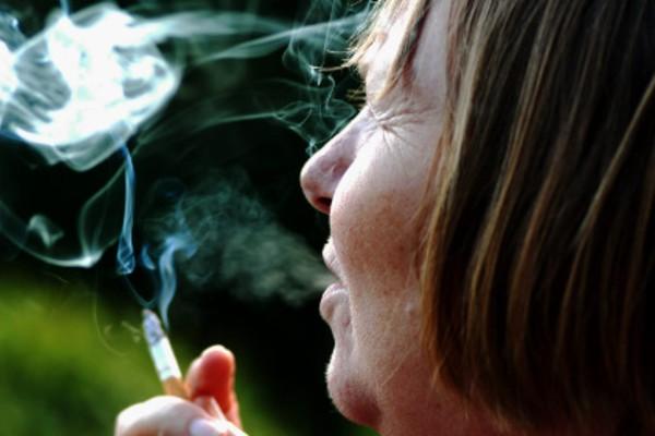 Promise to ban smoking in Brisbane parks