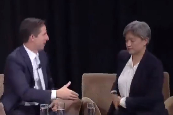 Article image for WATCH | Penny Wong refuses to shake Liberal senator's hand
