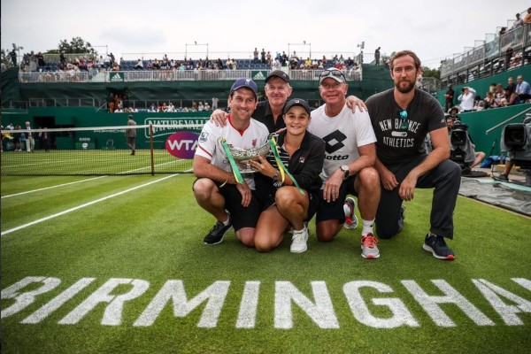 Barty to bring more girls to her tennis party