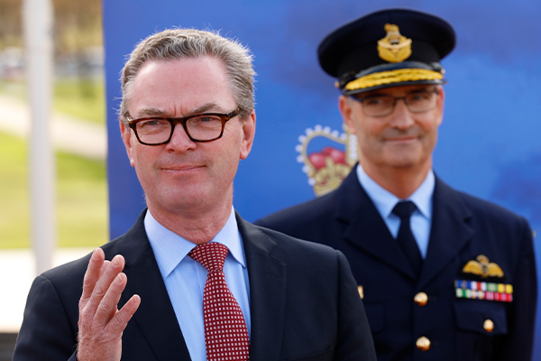 Article image for Senator slams Christopher Pyne's 'bad judgement' over controversial new job