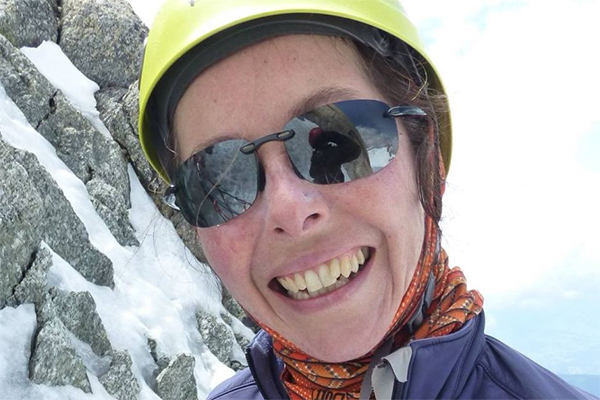 Calls for tighter climbing restrictions as Sydney woman goes missing in Himalayas