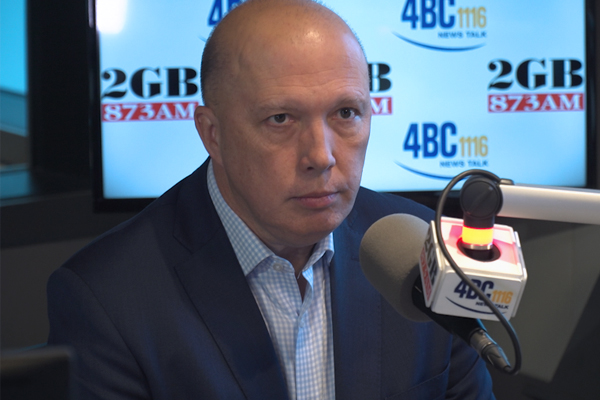 Peter Dutton threatens to sue the Twitterati