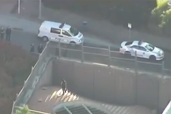 Knife-wielding man shuts down major Brisbane tunnel