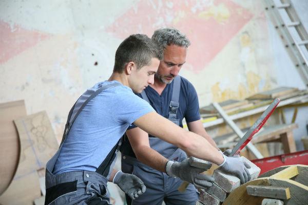Free apprenticeships for young Queenslanders