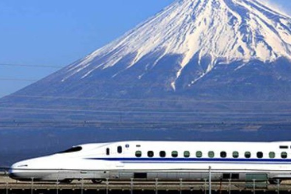 Japan, a paradise for ferroequinologists