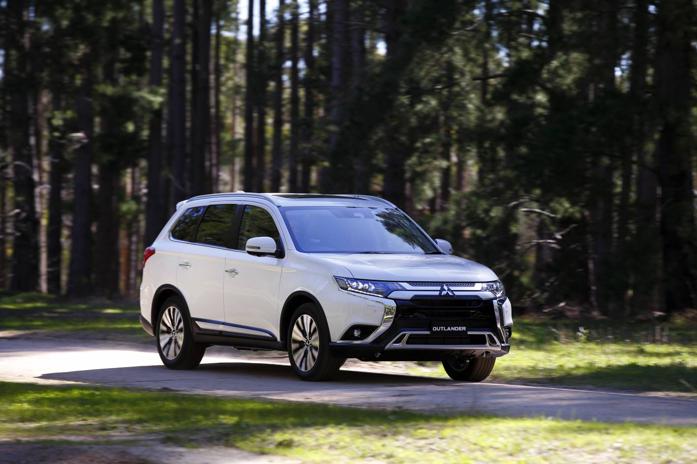 Mitsubishi's long-standing Outlander SUV gets some welcome updates for the 2020 model year.