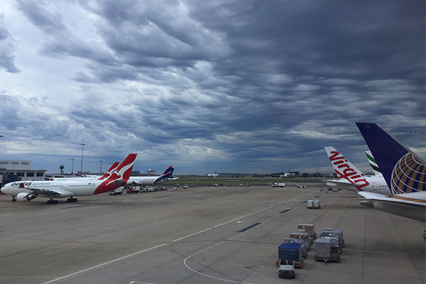 Airline bosses join forces against expensive Australian airports