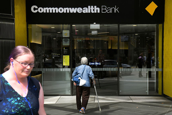Article image for Commonwealth Bank customers experiencing nationwide outages