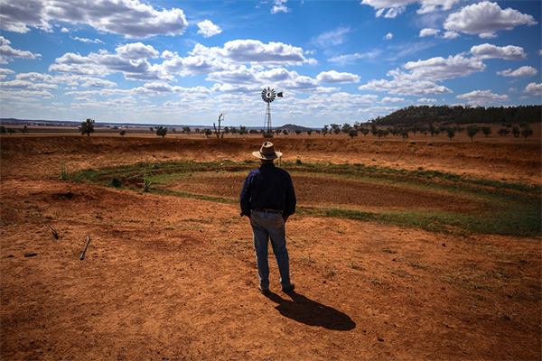 Article image for 'No one understands': Why this farm is crippled by drought despite an overflowing river
