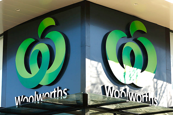 Article image for Woolworths boss apologises for underpaying staff