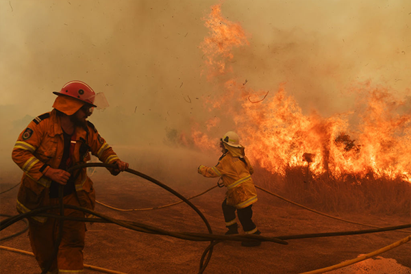 Article image for Counter-terrorism specialist slams Australia's 'absolutely abysmal' fire plan
