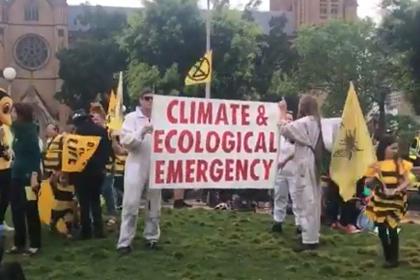 Article image for Extinction Rebellion's latest 'un-Australian' protest targeting politicians
